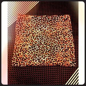 Simple stetch Leopard mini skirt size small